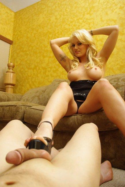 mistress castrates her slave