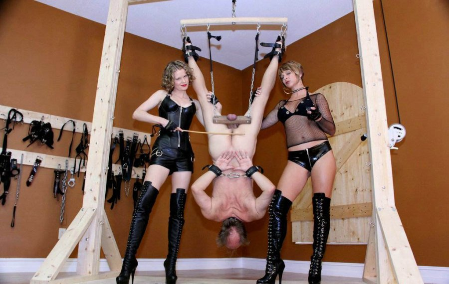 Ballstretching bdsm mistress