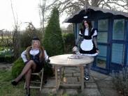 English-garden-tv-spanking-01