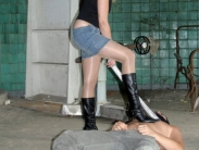 boots-worship-slave-06