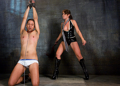 Slave tortured by latex mistress